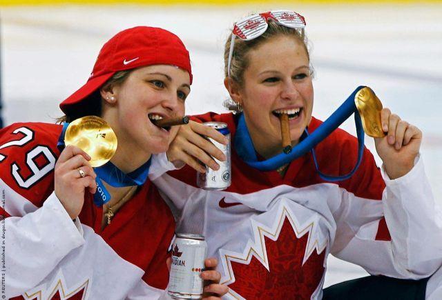 hockeyeuses du Canada victorieuses à Vancouver