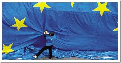 Drapeau Europe credit Francois Lenoir-Reuters